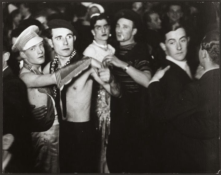 35 Gay dancing, Paris, 1930s