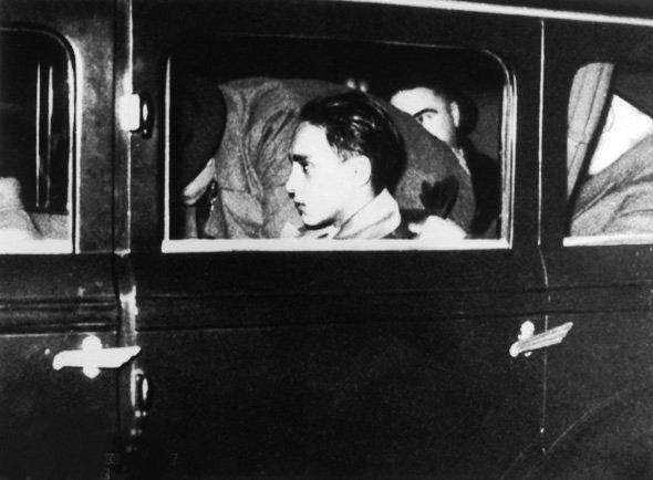 """Das Attentat wurde verbt auf den Legationssekret""""r der deutschen Botschaft in Paris, Ernst von Rath. Dieser erlag zwei Tage sp""""ter seinen Verletzungen. Die Nationalsozialisten nutzten den Anschlag als Anlaá fr die November-Pogrome und die"""
