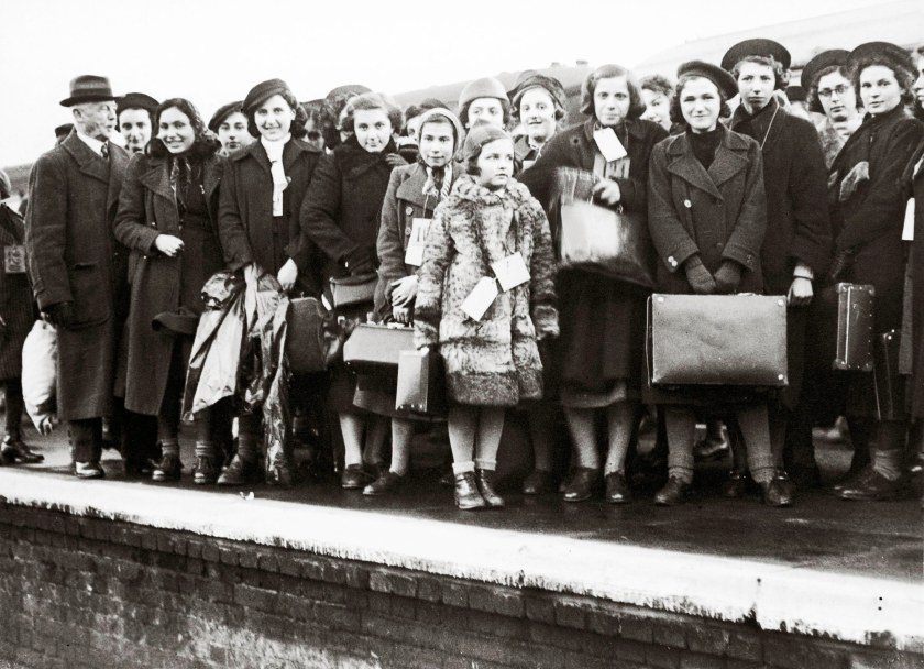 Jewish Refugee Children arriving in England. The most children deriving originally from Vienna. England. Photograph. December 13th 1938. 13/12/1938